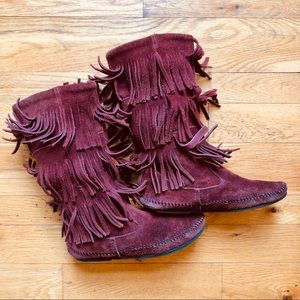 Minnetonka 3-Layer Fringe Boots